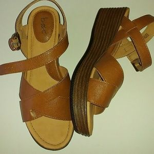 B.O.C. WOMENS BROWN LEATHER WEDGE SANDALS SIZE 9M